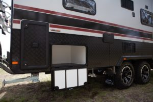 salute-caravans-avalon-family-bunk-external-016