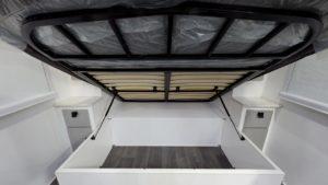 salute-caravans-avalon-family-bunk-internal-010