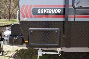 salute-caravans-governor-club-lounge-external-007