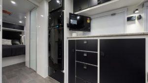 salute-caravans-governor-club-lounge-internal-007